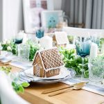 SET A FESTIVE TABLE